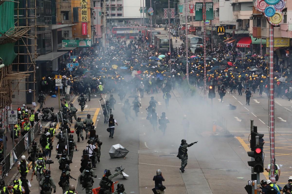 Курс валют и протесты в Гонконге